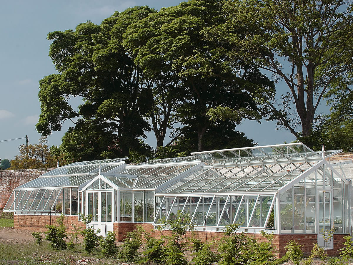 Large tapered and tiered greenhouse