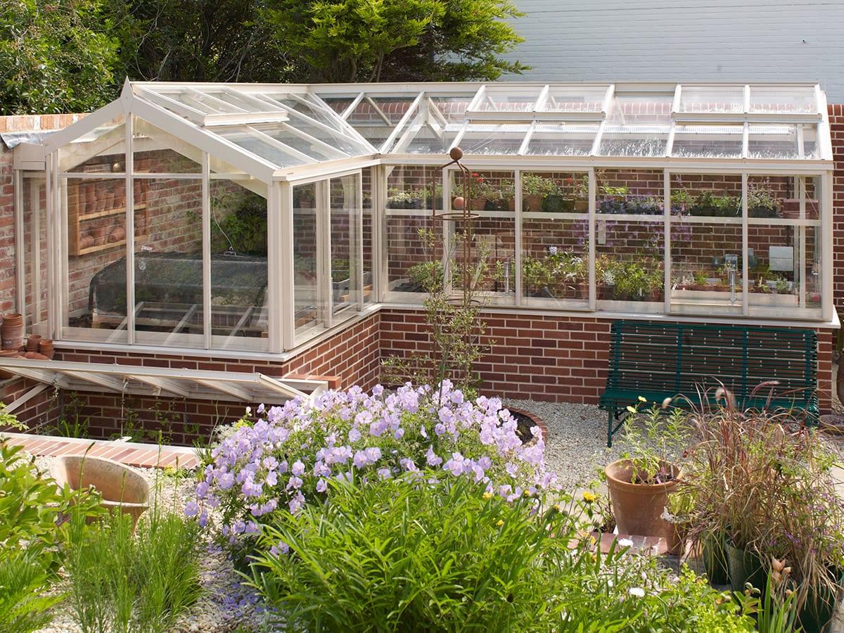 3/4 span corner greenhouse