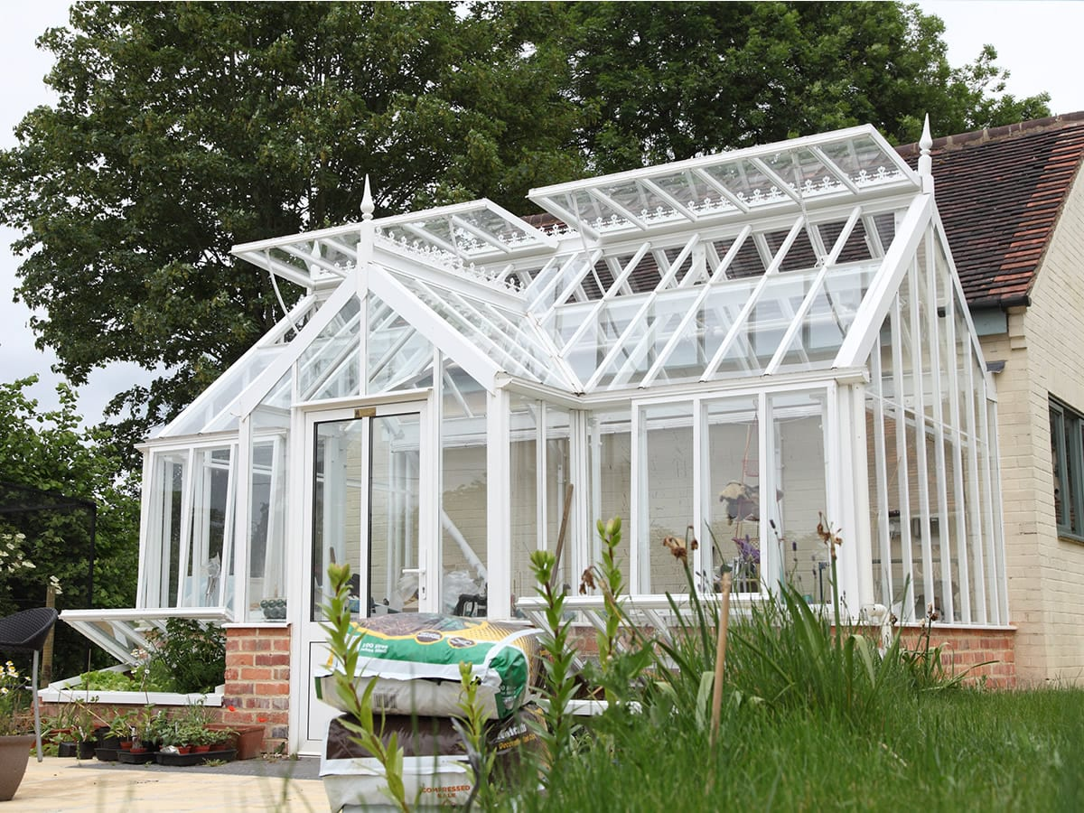 Three quarter span traditional greenhouse